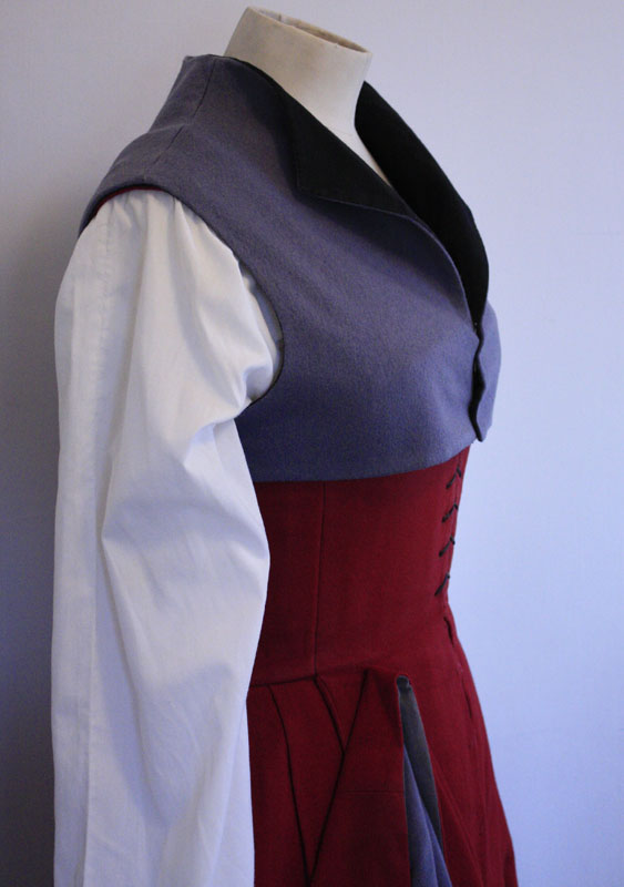 Tudor Woman's Kirtle from 1520 @ Janet Comber – Time Tailor